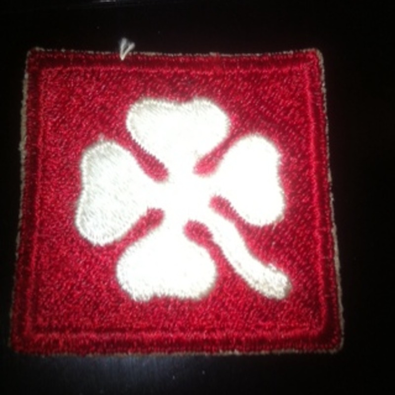WW2 4th Red. White Clover MILITARY PATCH