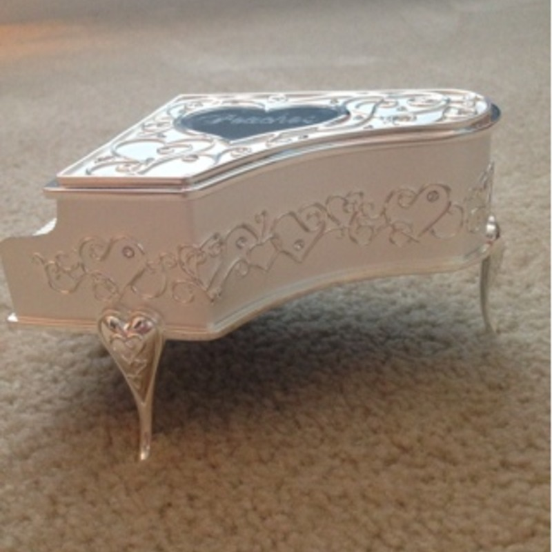 Piano Shaped Music/Jewlery Box