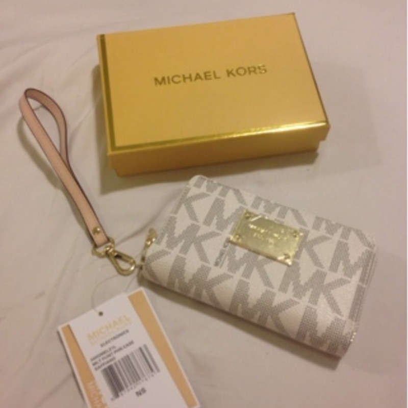 Mikeal Kors wallet /purse New with tags