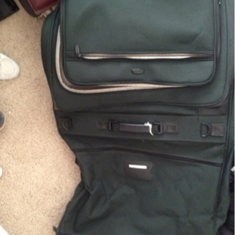 Gym bag, hanging bag for files or whatever? , hanging suitcase