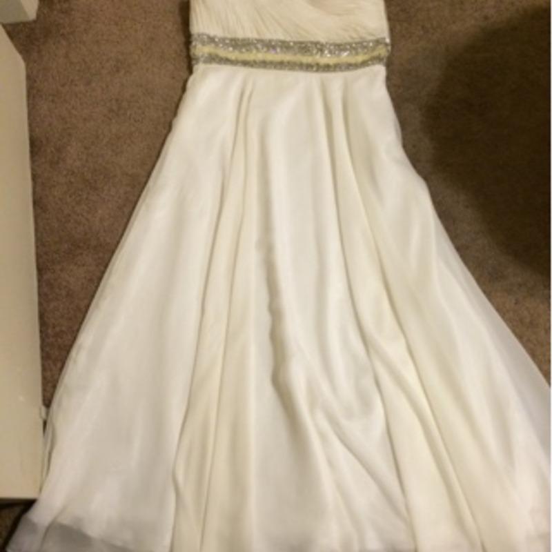 Pearl white half sleeve dress