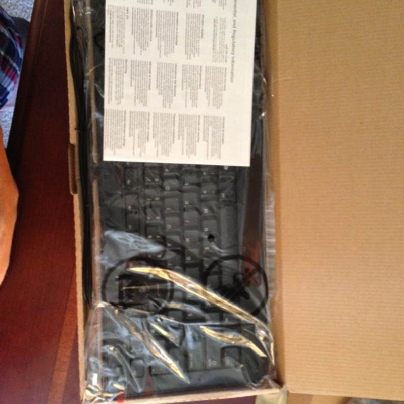 BRAND NEW DELL ULTRA SLIM USB KEYBOARDS 0F77Y5 & LASER MOUSE